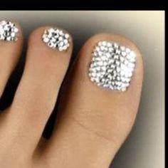 Crystal Toe Nail Designs » Nail Designs For You - http://www.naildesignsforyou.com/toe-nail-designs/ #toenails #toenaildesigns #nails #cutenails #cutenaildesigns #nailart #toenailart #crystals