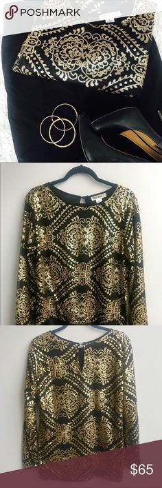 Gold and Black sequin top | like new condition Large | loner in be back to be tucked in | perfect with skirts! Tops