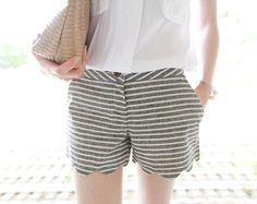 Today's Hot Pick :Stripe Pattern Scalloped Shorts http://fashionstylep.com/SFSELFAA0001996/righthen/out Look sweet and chic with these shorts. They have a stripe pattern with scalloped hem. These shorts also have a button closure. You can complement these shorts with your solid color tops and heels or sandals.