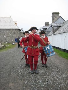 Nova Scotia - The Fortress of Louisbourg - go back in time to 1744 a re-construdted century fortress guarded by French soldiers. Canada Trip, O Canada, Beautiful Sites, Beautiful Places, Storming The Bastille, Cap Breton, Military Guard, All About Canada, Acadie