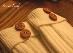 More boot socks!....Blogger has how-to.  These are really cute!