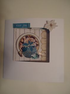 een verjaardagskaart geknipt en geplakt