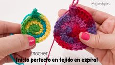 Inicio perfecto al iniciar el tejido en espiral a crochet :O Knitting For BeginnersKnitting HumorCrochet Hair StylesCrochet Stitches Crochet Simple, Crochet Diy, Crochet Amigurumi, Crochet Motifs, Crochet Stitches Patterns, Freeform Crochet, Love Crochet, Crochet Crafts, Yarn Crafts