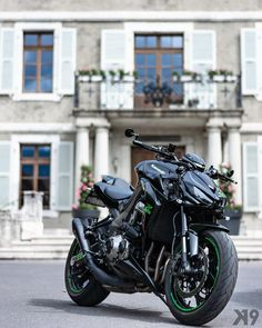 Soft sun give the best result _____________________________________________ - Damenschmuck und andere Concept Motorcycles, Cool Motorcycles, Moto Bike, Motorcycle Bike, Super Bikes, Motard Sexy, Z 1000, Futuristic Motorcycle, Kawasaki Motorcycles