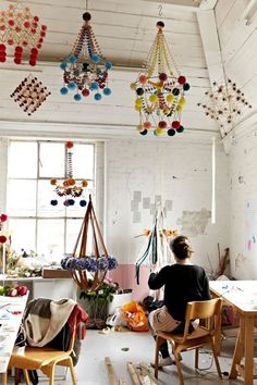 My name is Karolina and I am a pajaki maker. Pajaki are traditional Polish chandeliers made of rye straw and paper. My studio in Hackney Wick, where I run my workshops. Diy Projects To Try, Craft Projects, Diy Luminaire, Diy And Crafts, Crafts For Kids, Pom Pom Crafts, Modern Sculpture, Metal Sculptures, Abstract Sculpture