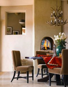 A Santa Fe Home with a Modern Twist,western revival in santa fe: southwest style and modern a… - Western Home Decor Living Room Southwestern Home Decor, Southwestern Decorating, Southwest Style, Santa Fe Home, Santa Fe Style, Western Homes, Modern Architecture House, Beautiful Architecture, Interiores Design