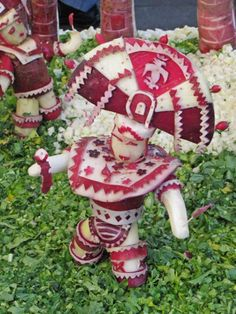 Radiant radishes: La Noche de Rabanos in Oaxaca.......An Aztec dancer carved from a radish....this country has everything! :D