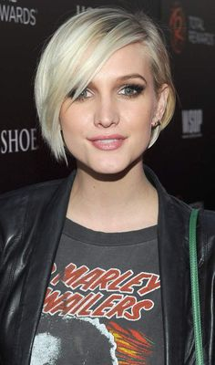 10 Trendy Short Straight Hairstyles You Can Try