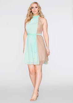 Sukienka z dekoltem halter Piękna • 129.99 zł • bonprix