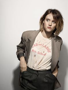 Mackenzie Davis photos, including production stills, premiere photos and other event photos, publicity photos, behind-the-scenes, and more.