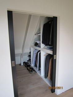 Interieurideeën | Walk in closet voor op zolder. Door nancy75