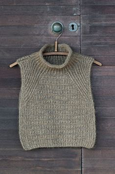 Gents Sweater, Knit Cardigan Pattern, Knit Stockings, Stocking Pattern, Sweater Design, Knit Fashion, Baby Knitting, Cowl, Knitwear