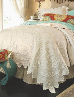 Chantelle Quilt - Soft Cotton Quilt, Medallion Quilt, Sateen Quilt | Soft Surroundings