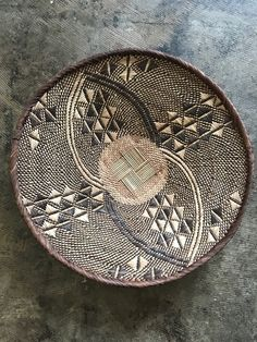 Imported baskets, hand woven baskets and decorative items, and African folk basketry Home Decor Baskets, Basket Decoration, Baskets On Wall, African Interior, African Home Decor, African Room, African Art, Basket Weaving, Hand Weaving