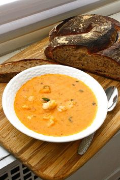 Cajun shrimp bisque, from Feast on the Cheap. Seafood Recipes, Soup Recipes, Great Recipes, Cooking Recipes, Favorite Recipes, Chowder Recipes, Shrimp Bisque, Bisque Soup, Bisque Recipe