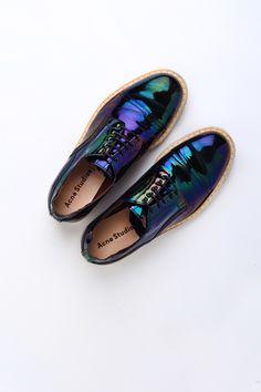 Oil-slick holographics. ACNE STUDIOS - Askin Oil Shoe www.fashionlook.co!