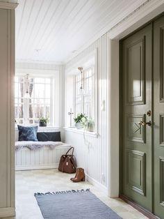 pardorrar,-vacker-hall,-inredningsinspiration Interior Design Images, Cozy Cottage, Scandinavian Home, My Dream Home, Living Area, Sweet Home, New Homes, Villa, House Design