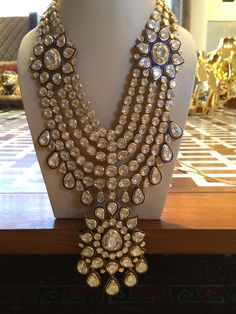 Ideas For Jewerly Gold Necklace Indian Uncut Diamond India Jewelry, Gold Jewelry, Jewelery, Fine Jewelry, Glass Jewelry, Gold Necklace, Bridal Jewelry Sets, Bridal Sets, Bridal Jewellery