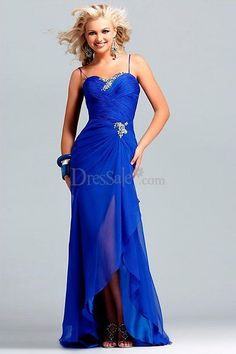 Charming Blue Evening Dress with Glaring Brooch Detail