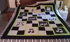 music quilts free patterns | Below is picture before the border was added, I believe you can better ...