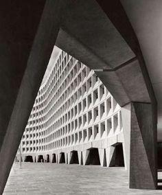 Robert C. Weaver Federal Building (HUD)   1965-68   Washington, DC.   Marcel Breuer