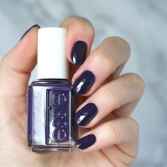 """Essie """"Hazy Daze"""" from its Desert Mirage 2018 Collection. Essie Nail Polish Colors, Nail Colors, Fun Nails, Pretty Nails, Red Manicure, Manicures, Nail Design Video, Pretty Nail Designs, Dark Nails"""