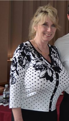 chicago milf personals Senior casual adult dating usa thee place in the usa to find senior causal sex and mature adult dating online looking for a older fuckbuddie, marital affair, one night stand or simply.