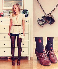 ...Gosh! Cute shoes!
