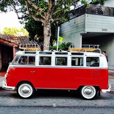 Volkswagen Microbus I INCLUDED THIS JUST SO I COULD LOAN IT TO MY SON INLAW _ 이 차에 .. 이것저것 다 싣고 .. 그냥 떠나는 거다 ..