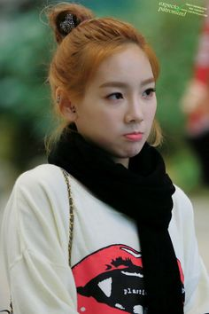 TaeYeon Airport fashion http://okpopgirls.rebzombie.com/wp-content/uploads/2013/03/SNSD-Taeyeon-airport-fashion-Mar-2-2-1.jpg