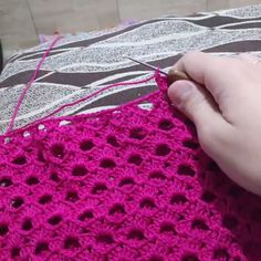 Hello crocheters, get your crochet needles and we will learn this pattern free sky open crochet stitch. This free crochet pattern c. Col Crochet, Granny Square Crochet Pattern, Crochet Stitches Patterns, Filet Crochet, Crochet Motif, Crochet Baby, Knitting Patterns, Crochet Doilies, Crochet Freetress