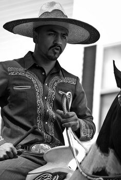 Mexican Rice - A Family Feast - New Ideas Cowboy Art, Cowboy And Cowgirl, Charro Suit, Mexico People, Mexico Party, Mexican Themed Weddings, Hispanic American, Mexican Men, Mexican Outfit