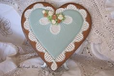 Gingerbread heart, decorative cookie, hand piped lace and roses with Royal Icing, Keepsake