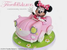 New cake desing for girls minnie mouse ideas Torta Minnie Mouse, Minnie Mouse Car, Mini Mouse Cake, Mickey And Minnie Cake, Bolo Mickey, Mickey Cakes, Disney Cake Toppers, Custom Birthday Cakes, Cake Birthday