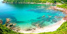 Talland Bay Beach, west of Looe, Polperro. There's a wonderful cafe and a handy little car park. Very busy in summer. Places To Travel, Places To See, Polperro Cornwall, Cornish Beaches, Cornish Coast, British Beaches, British Seaside, Cornwall Cottages, Holidays In Cornwall