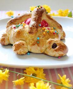 La Mona de Pascua es una receta típica de la Semana Santa y los días de Pascua en muchas regiones españolas, como la Comunidad Valenciana, Cataluña, Murcia, Aragón o Baleares.