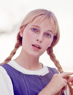 Mia Farrow - locks like a strawberry blonde here Mia Farrow, Actor Studio, Forever Young, Timeless Beauty, Beauty Photography, Beautiful Actresses, Old Hollywood, American Actress, Beauty