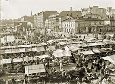 The Market Place, Helsinki. Still lively today. Helsinki, Paris Skyline, New York Skyline, Map Pictures, Old Advertisements, Historical Pictures, Before Us, Signs, Time Travel