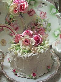 A cake that matches the dishes... so beautiful!