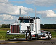 Peterbilt Custom Peterbilt, Peterbilt 359, Peterbilt Trucks, Show Trucks, Big Trucks, Odell Beckham Jr Wallpapers, Truck Living, Hot Black Women, Custom Big Rigs