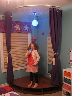 Don't forget the Karaoke! A curtain rod, a few drapes or fabric and a disco ball - you can also cut a rug to shape or use self-adhesive decorative tiles to make a simple stage Playroom Stage, Kids Stage, Karaoke, Moroccan Room, Leelah, Toy Rooms, Kids Rooms, Deco Design, Little Girl Rooms
