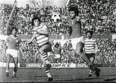 Época 1977/78, Benfica-Sporting 1-0. Vítor Batista domina a bola com o peito e vai rematar à baliza, marcando o único golo da partida, e...perder o brinco. Shéu assiste à distância.