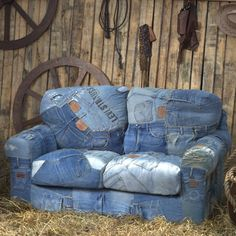Now this is going to take A LOT of denim! lol. Though this does king of inspire me in regards to fabrics to recover my couch with.