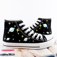Harajuku hand-drawn galaxy canvas shoes from Cute Kawaii {harajuku fashion} - Schuhe Ideen Painted Converse, Painted Canvas Shoes, Hand Painted Shoes, Painted Sneakers, Vetements Shoes, Do It Yourself Fashion, Studded Heels, Star Shoes, Shoe Art