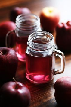 Raw organic, and unfiltered apple cider vinegar can assist in overall well-being and weight loss. The apple cider vinegar diet is probiotic and has many High Fiber Fruits, Raw Beets, Apple Cider Vinegar Benefits, Vinegar Weight Loss, Types Of Fruit, Juicing Benefits, Pomegranate Juice, Health Fitness, Nutrition