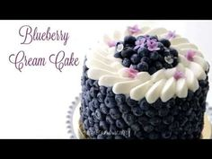 This blueberry cream cake is made up of layers of vanilla scented cake filled with homemade blueberry jam, frosted and filled with mascarpone cream and covered with lots of juicy blueberries. Blueberry Cream Cake Recipe, Blueberry Jam, Diabetic Cake Recipes, Baking Recipes, Spice Cake, Vanilla Cream, Creative Cakes, Eat Cake, Cake Decorating
