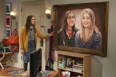 Amy gives Penny a painting to show their friendship