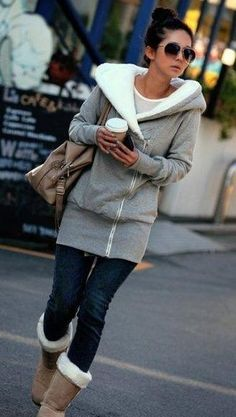 Think I neeeeed this hoodie for winter