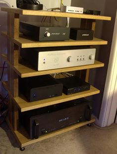 I have a press release here from Bob at RJC Audio about the launch of the new modular Lamina Rack. Audiophile Music, Hifi Audio, Audio Stand, Audio Rack, Diy Speakers, Ikea Ideas, Diy Kitchen Storage, Record Player, Wooden Diy