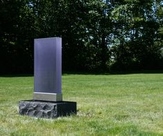 Lundgren Monuments